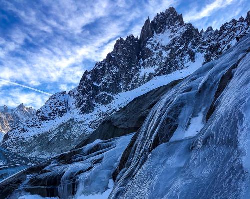 Ireki, Escalade et découverte de glaciers